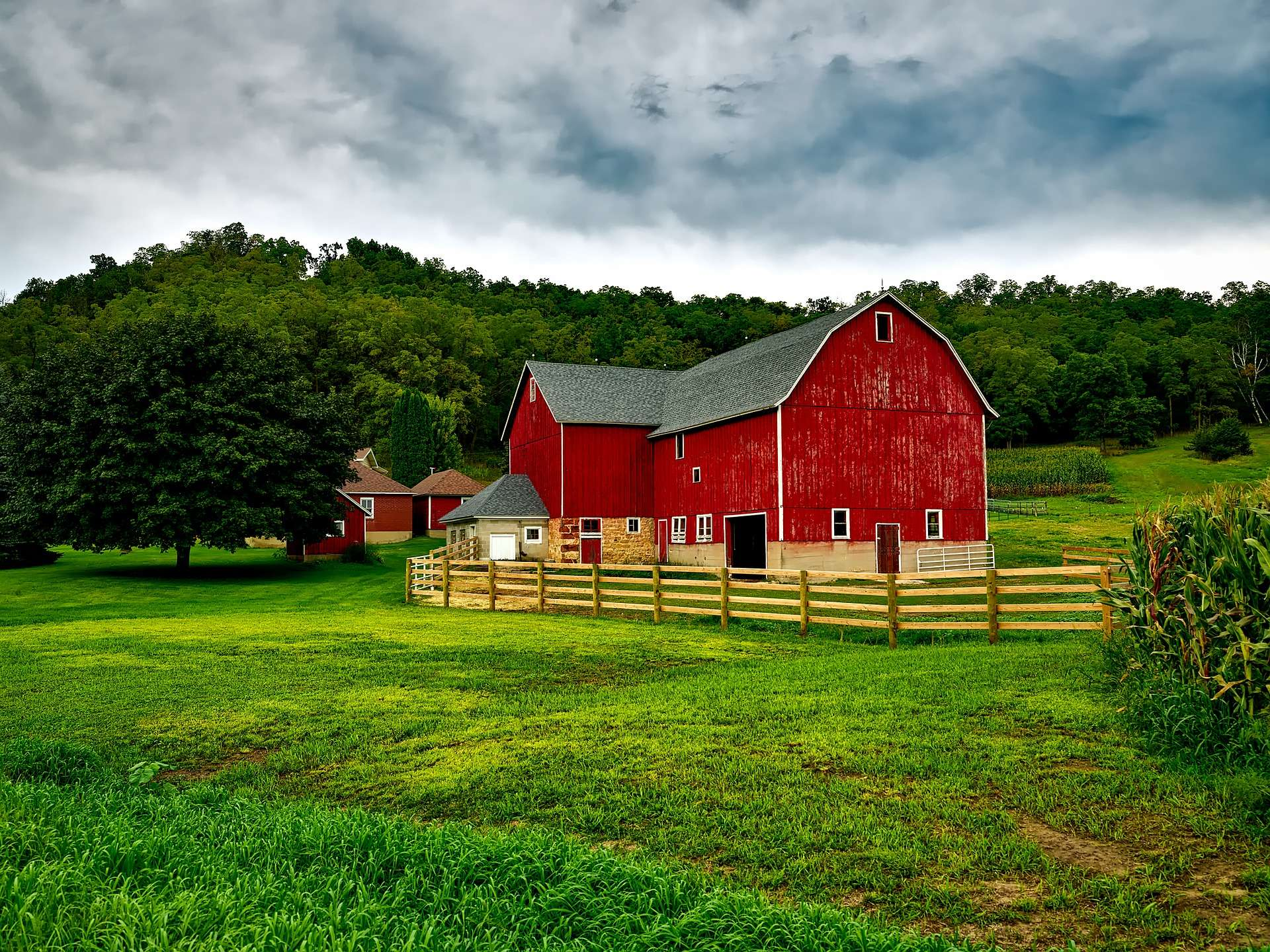 red farmhouse in the US